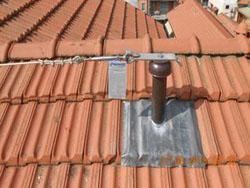 installiamo linee vita per sistemi di ancoraggio per tetti in pannelli sandwich