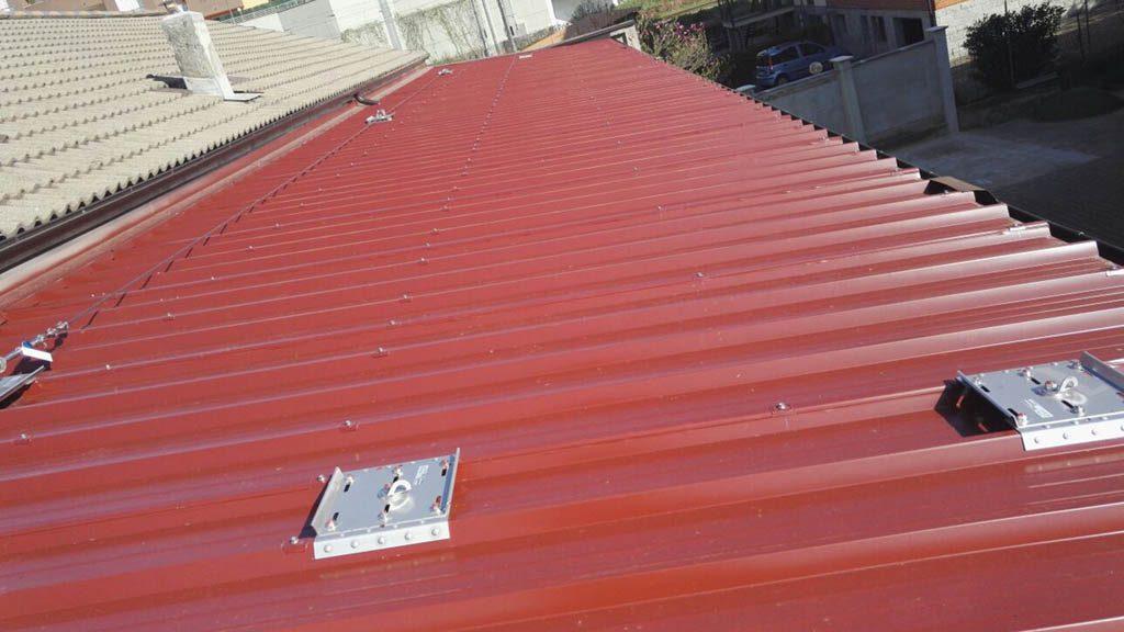 produciamo gronde per tetti in lamiera pvc